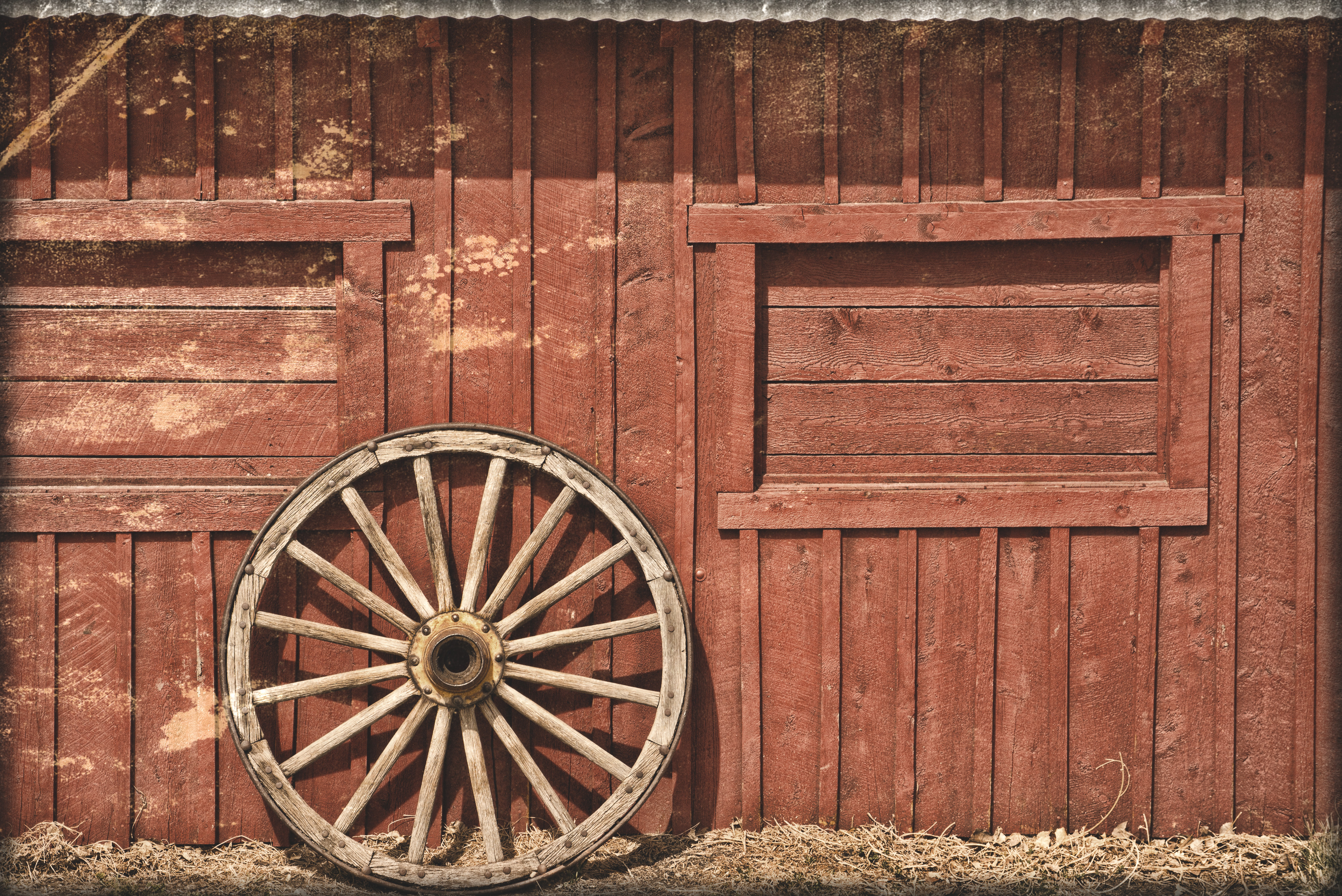 Red barn wood wallpaper wallpapersafari for Where to buy old barn wood