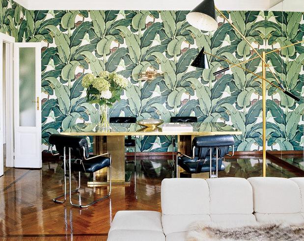 de jungle met het Martinique Banana Leaf wallpaper van Hinson   Roomed 619x491