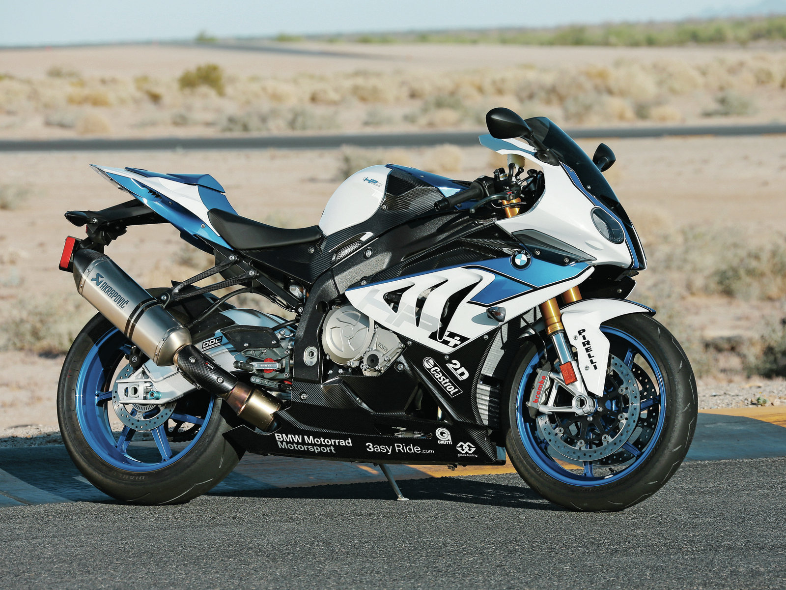 1600x1200px BMW HP4 Wallpapers