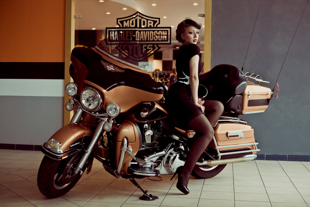 Pin up Harley Davidson III by Agnes z Garbledville 1024x683