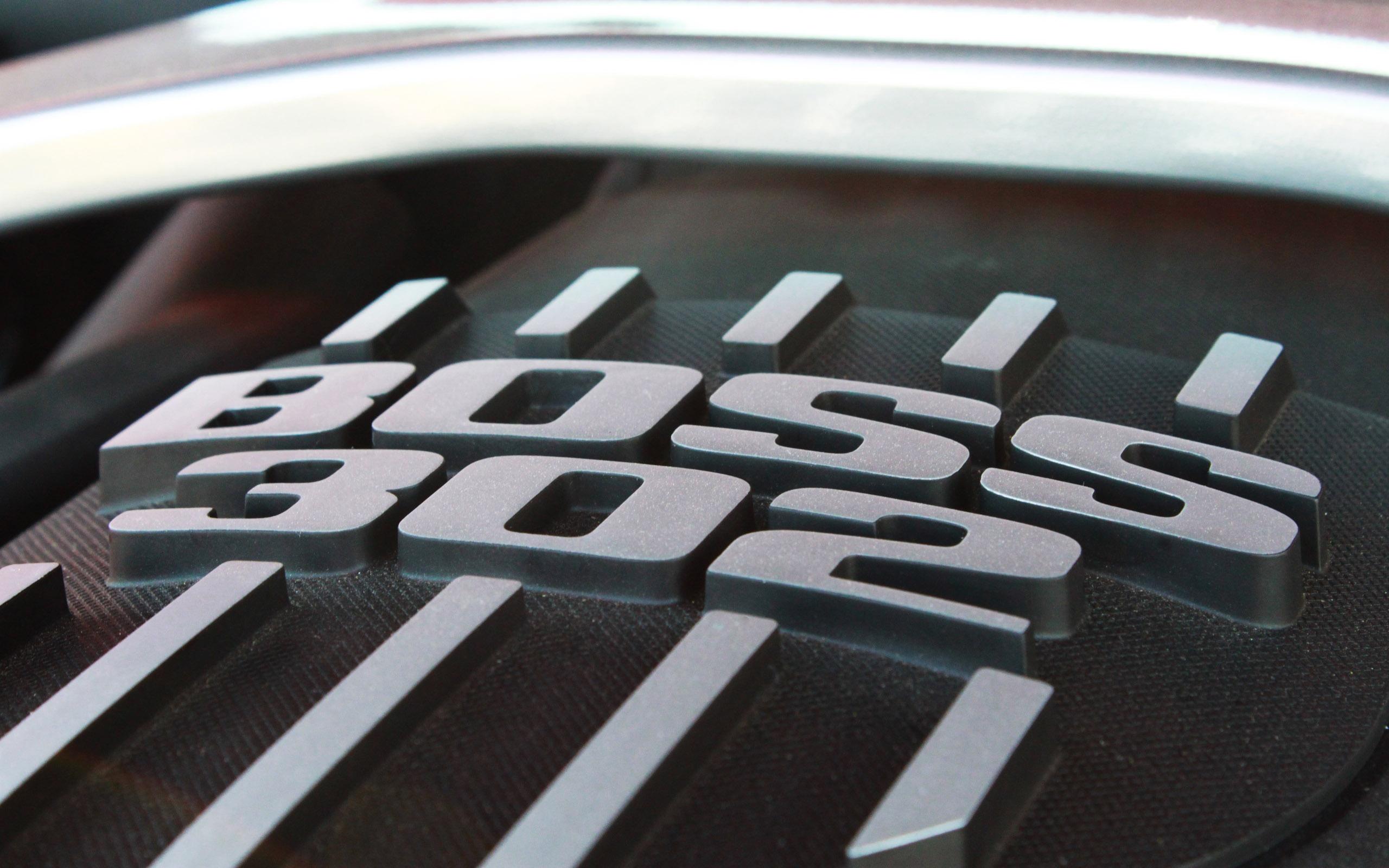 Ford Emblem Wallpaper 2560x1600 Ford Emblem Ford Mustang Boss 302 2560x1600
