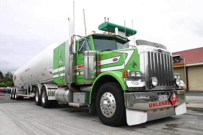 Peterbilt 379 10 wallpaper   Peterbilt   Trucks Buses   Wallpaper 670x447