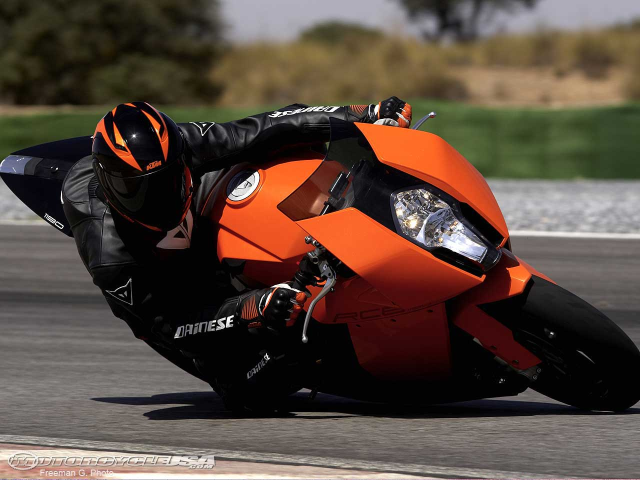 KTM RC8 Wallpaper 1280x960 KTM RC8 Motorbikes 1280x960