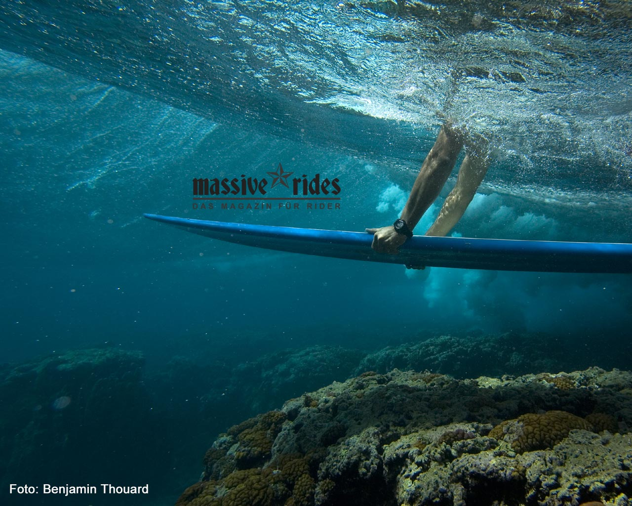 transworld surf hd wallpapers duck dive roxy surf wallpaper underwater 1280x1024