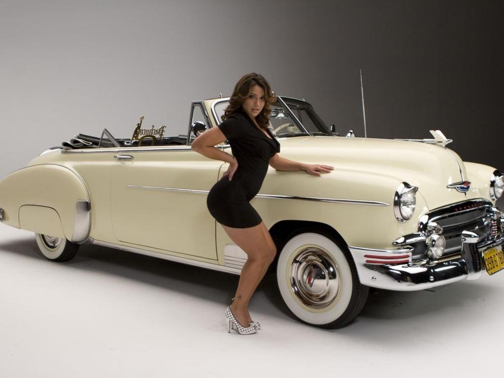 Classic Car Wallpaper 1024x768