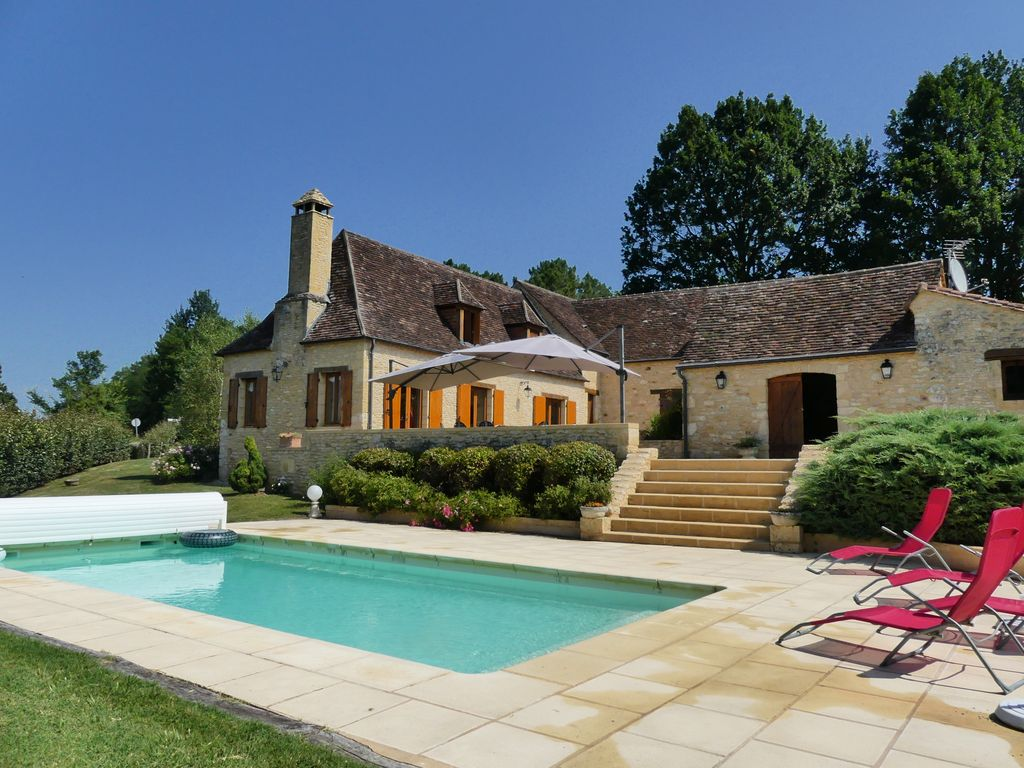 Pretty 17th century farmhouse restored with pool beautiful view 1024x768