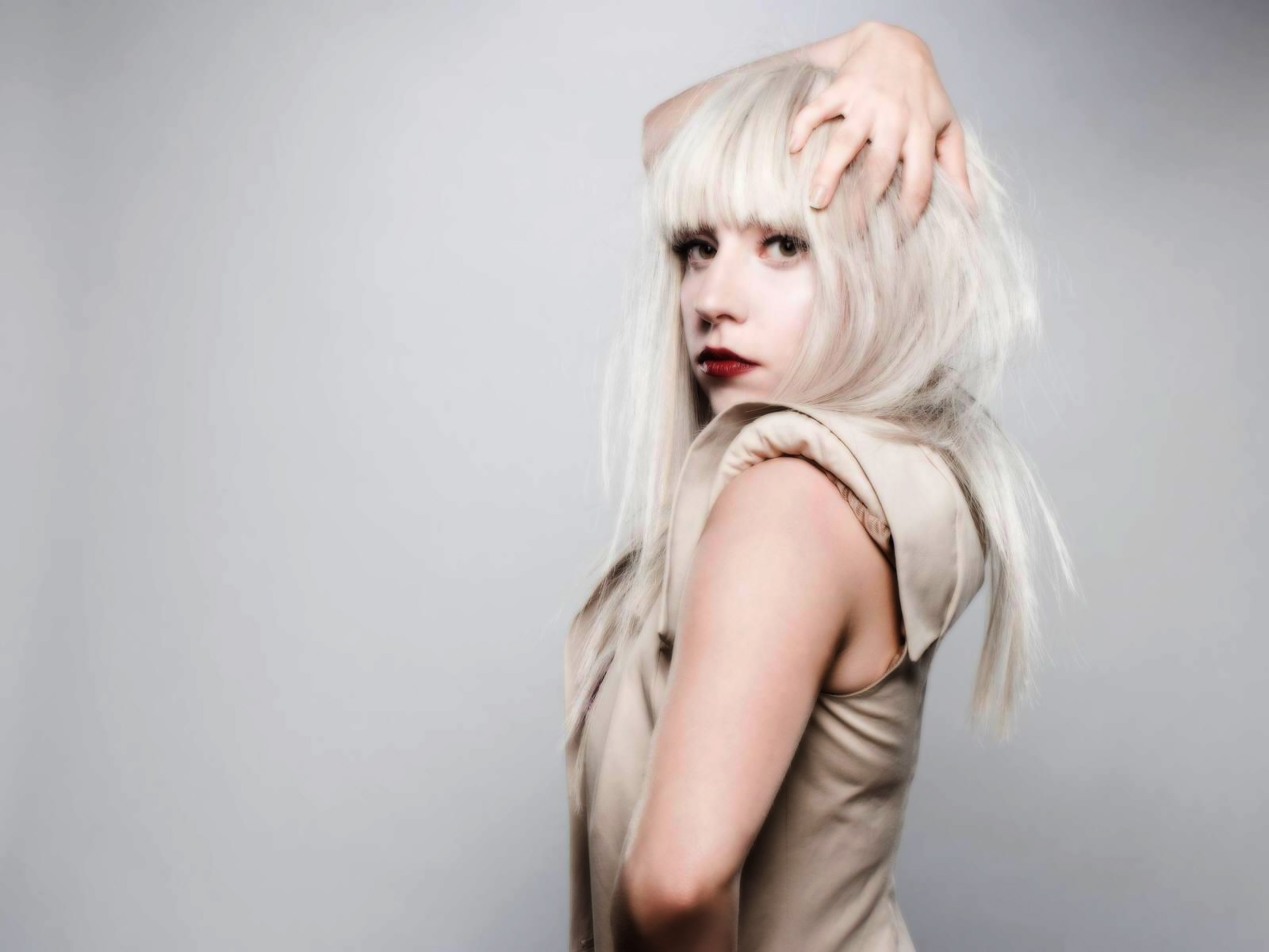 Lady GaGa Wallpapers 2560x1920