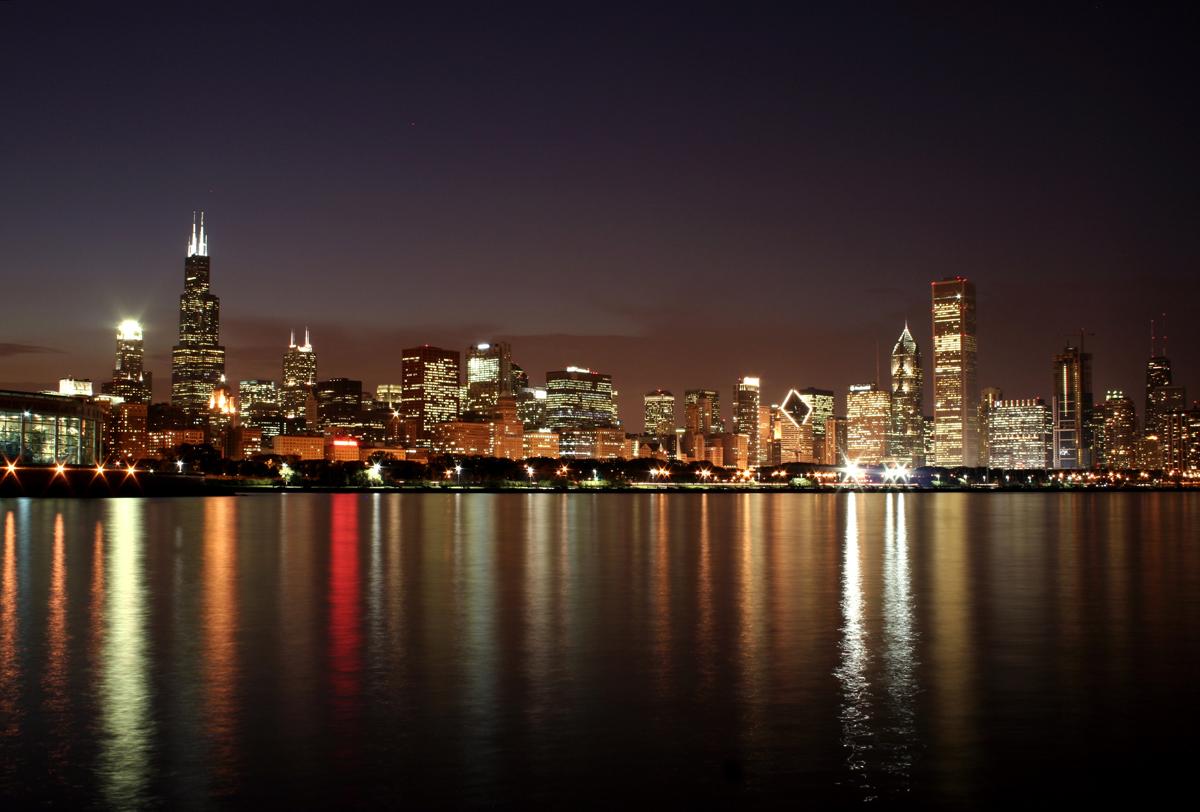 67 chicago skyline wallpaper on wallpapersafari - Skyline night wallpaper ...