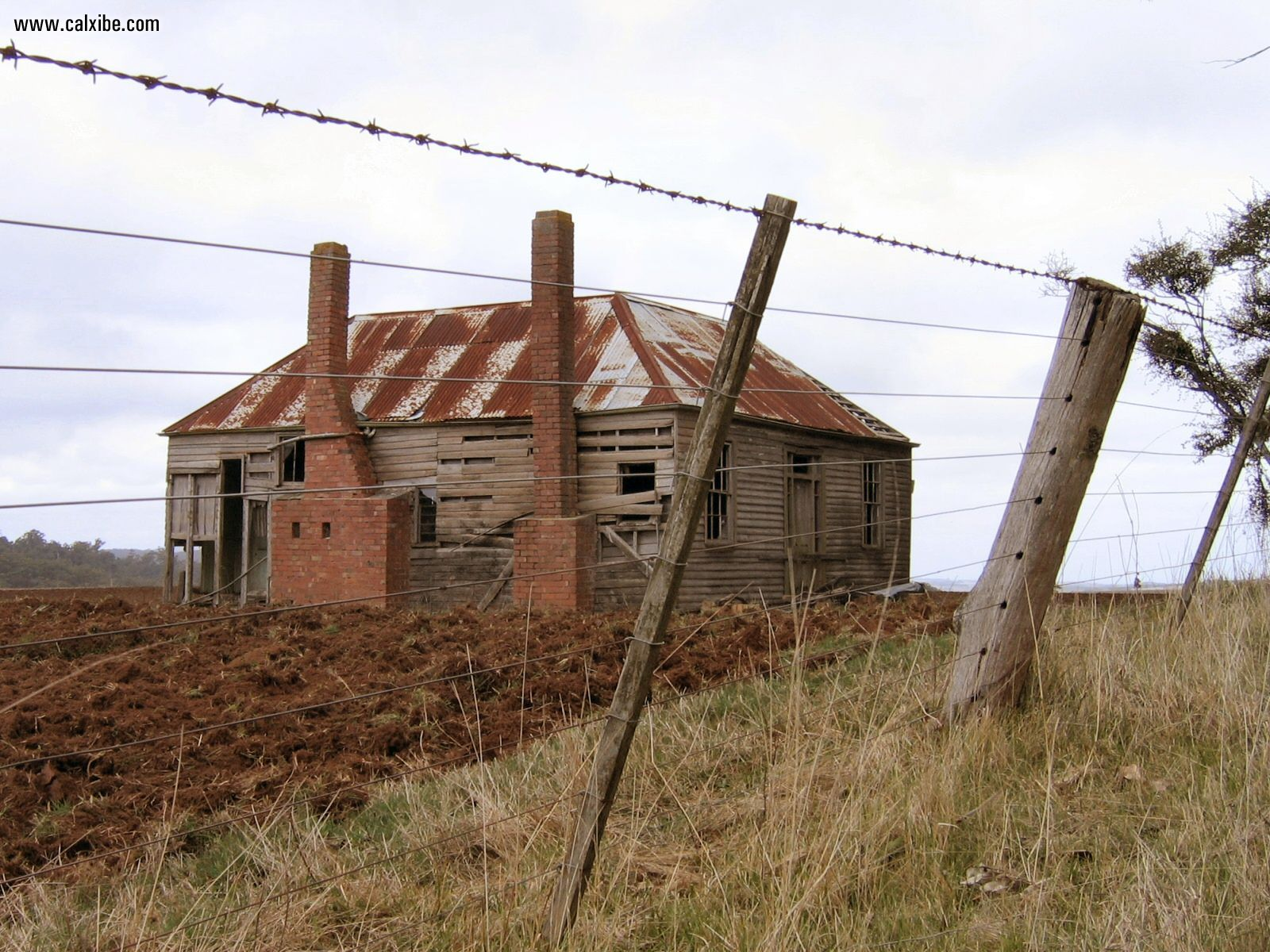 Miscellaneous Country Old Farmhouse picture nr 11481 1600x1200