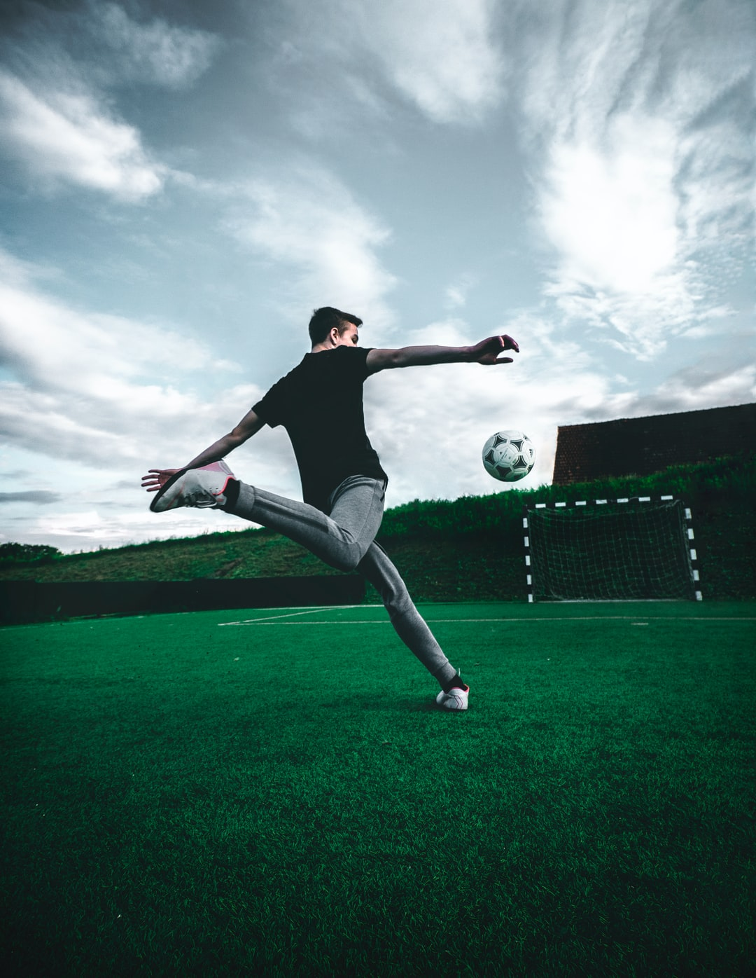 Soccer Wallpapers HD Download [500 HQ] Unsplash 1080x1396