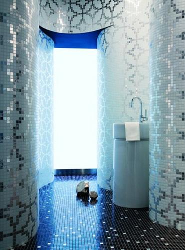 Metallic slver white wallpaper style patterned mosaics bathroom tiles 371x500