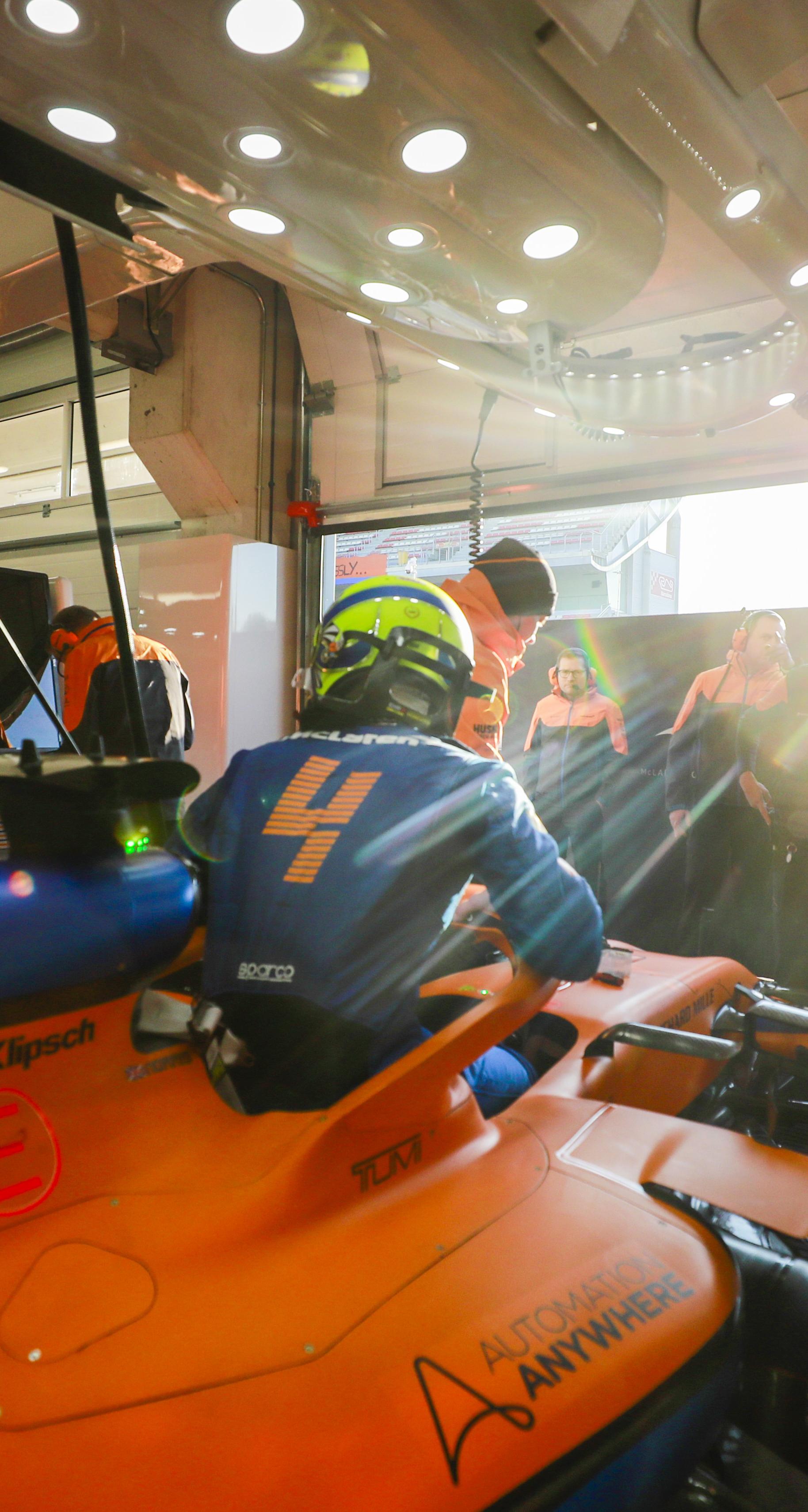 McLaren Racing Official Website 1828x3420