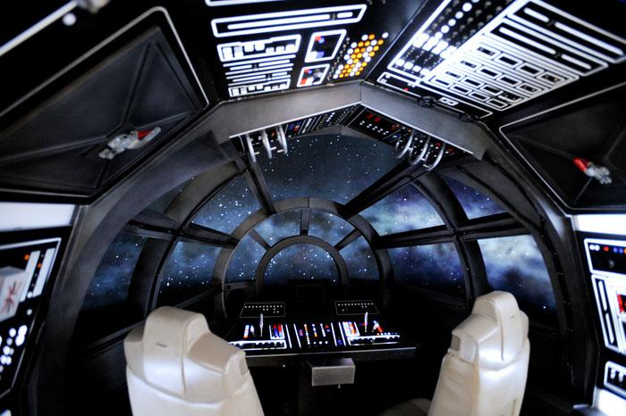 Millennium Falcon Cockpit View 100622 starwarsgc9956jpg 700x466