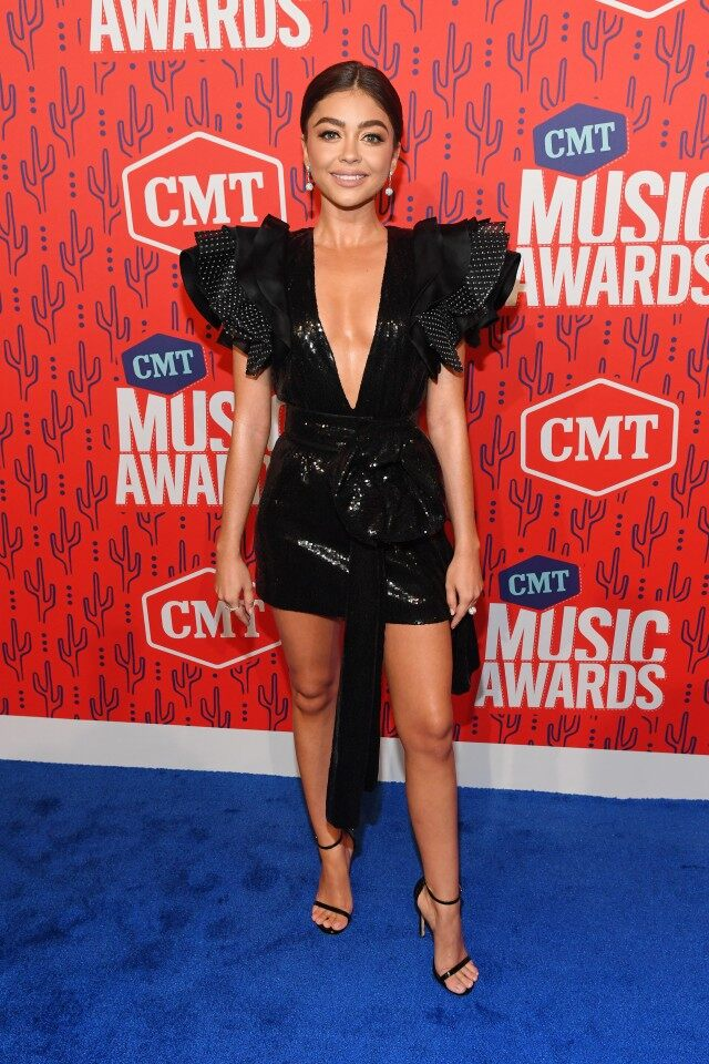CMT Music Awards 2019 Sarah Hyland Shines in Plunging Black Mini 640x960