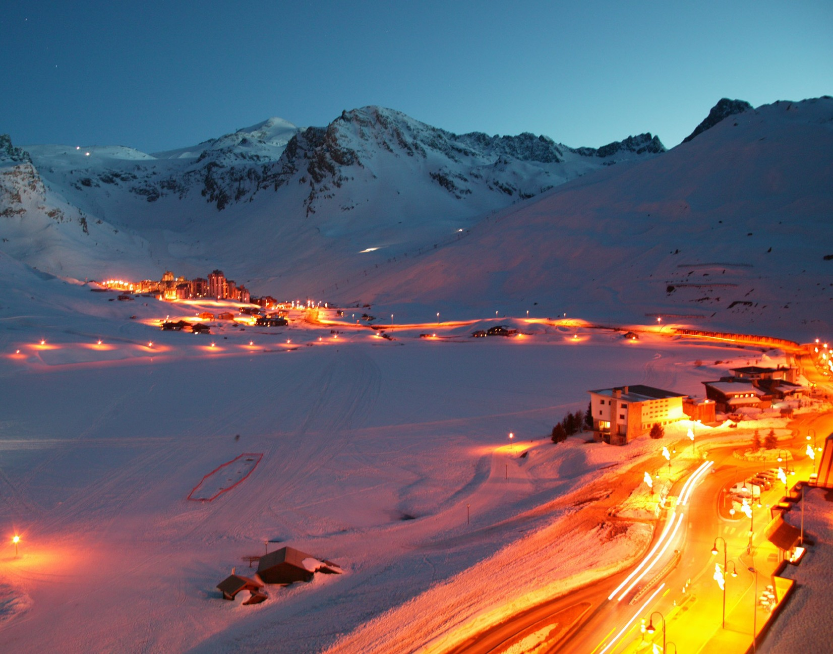 Night lights at the ski resort of Tignes France wallpapers and 1652x1297