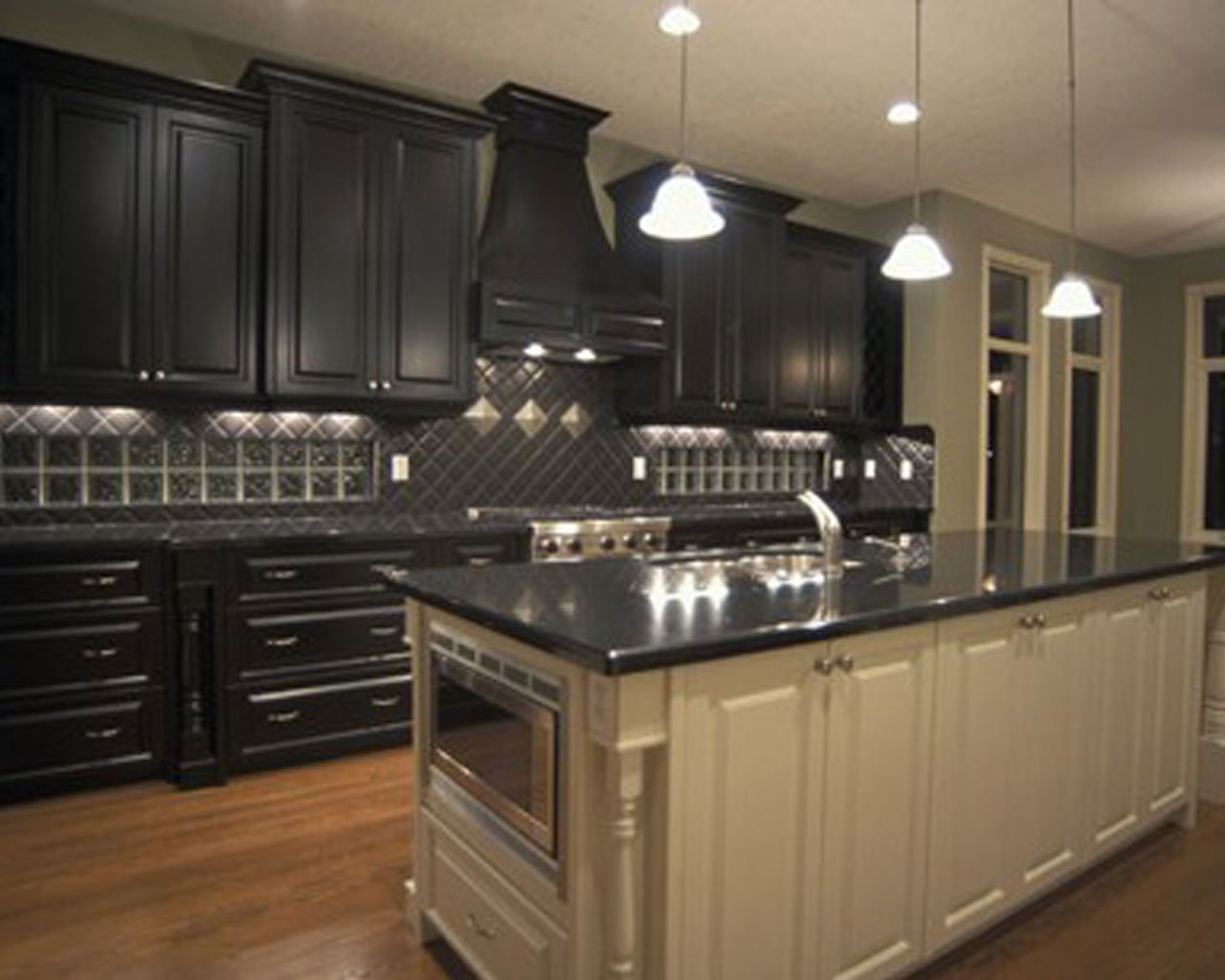 Pictures Of Kitchens Traditional Black Kitchen Cabinets 1280x1024