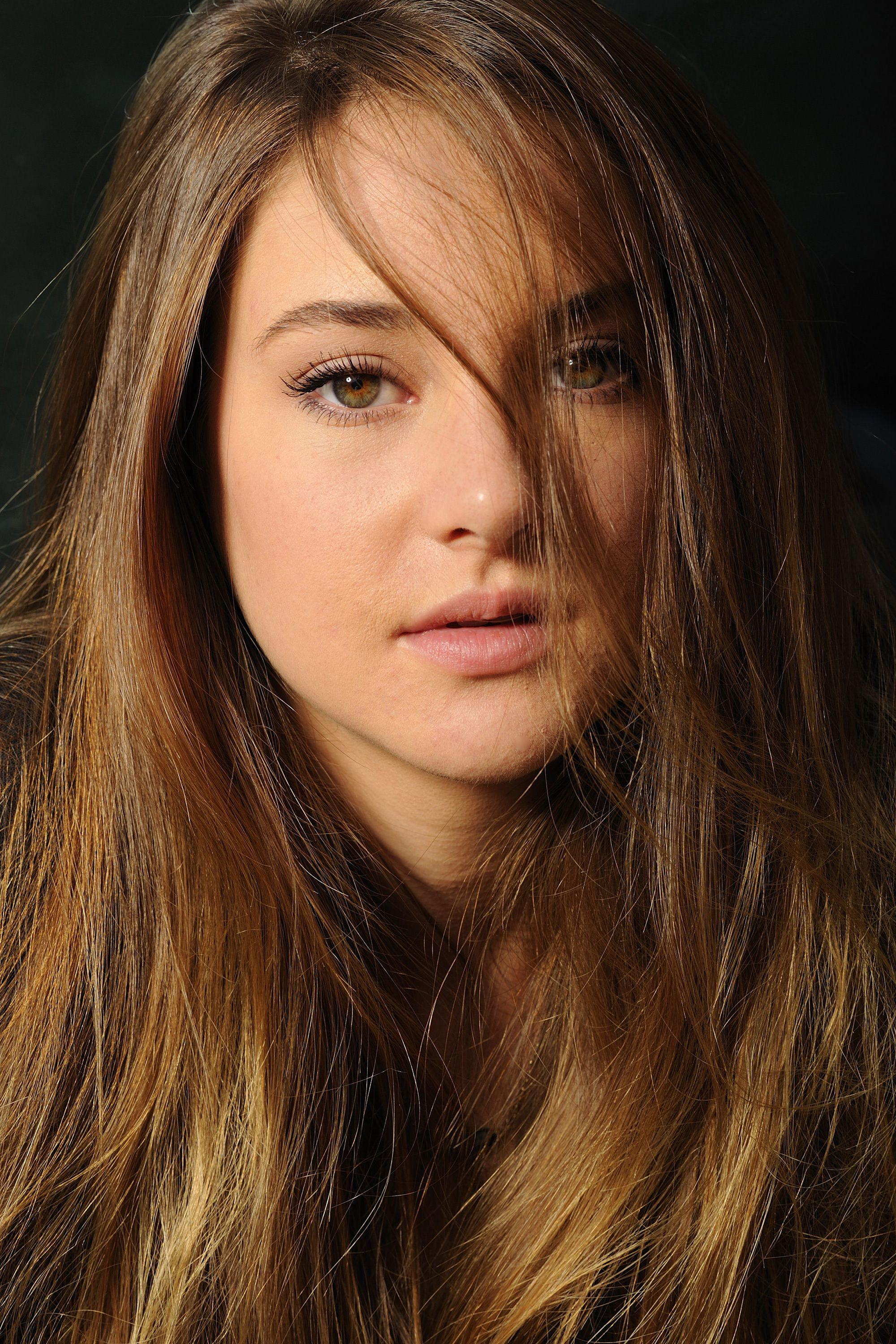 Shailene Woodley Biografia Hd Images 3 HD Wallpapers Eyebrows in 2000x3000