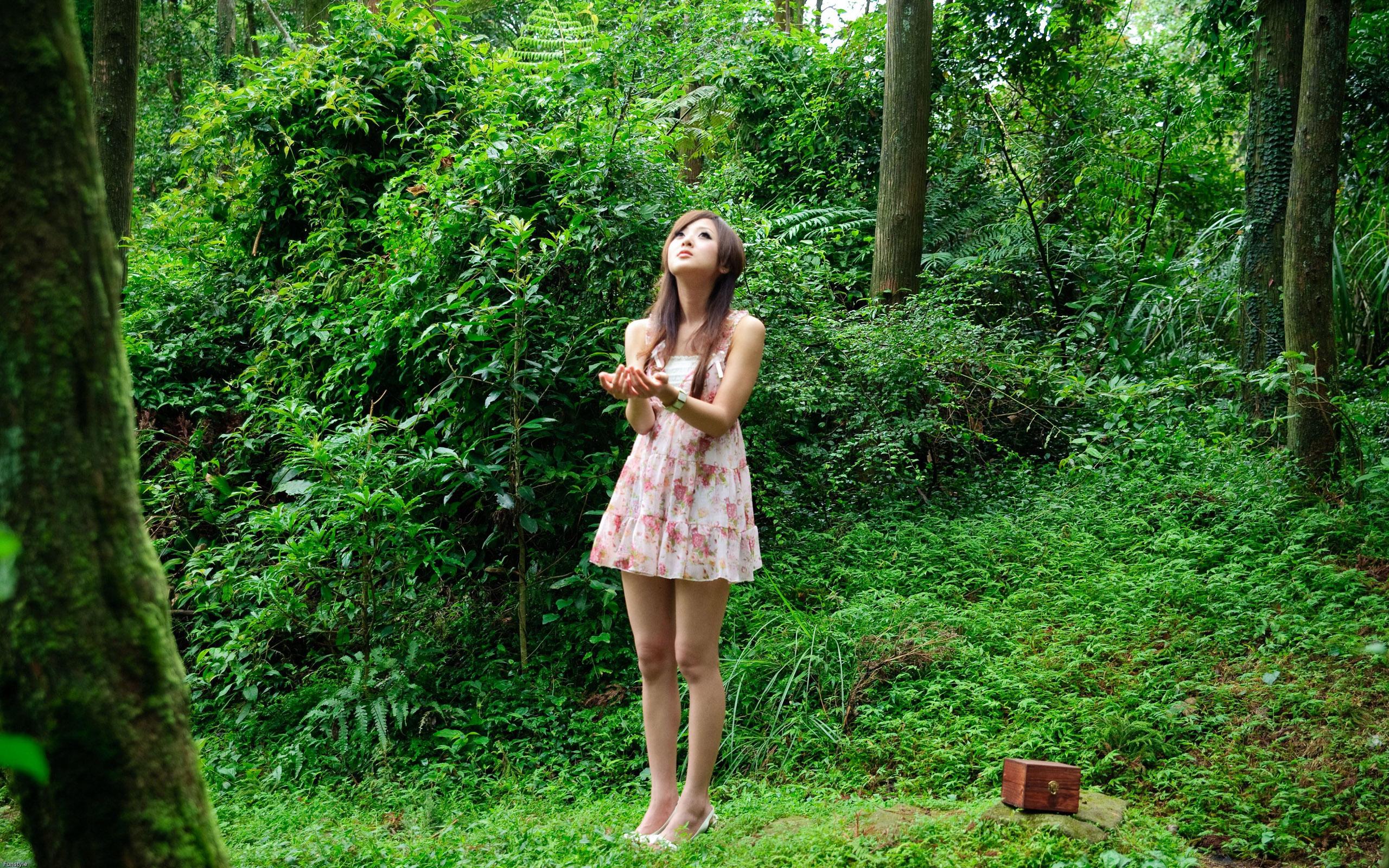brunettes women nature dress outdoors asians Mikako Zhang 2560x1600