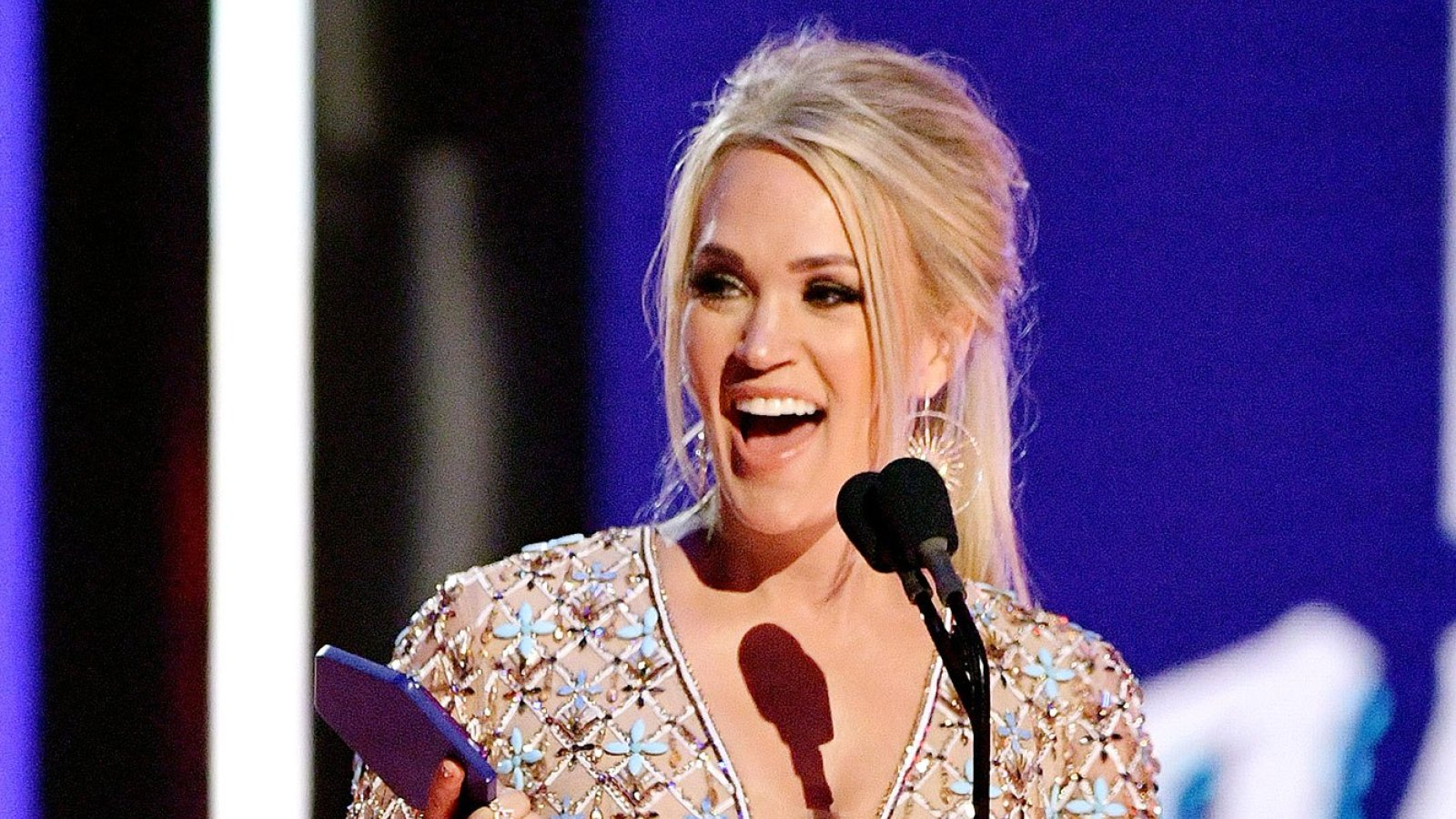 CMT Awards 2019 Carrie Underwood Earns Historic 20th Win 1600x900