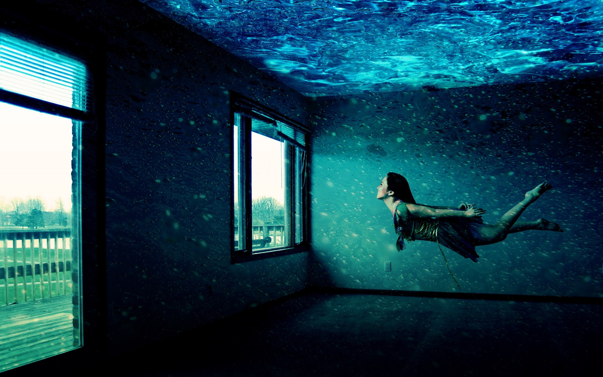 Girl under Water wallpapers and images   wallpapers pictures photos 2560x1600