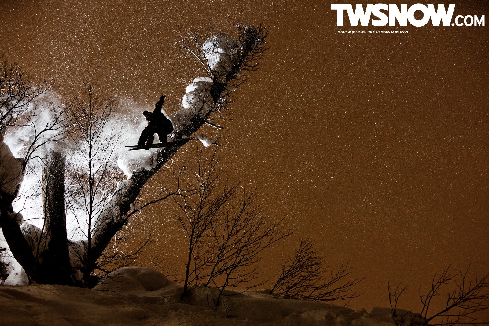 Wallpaper Wednesday Powder Surfing in Japan TransWorld SNOWboarding 1600x1067