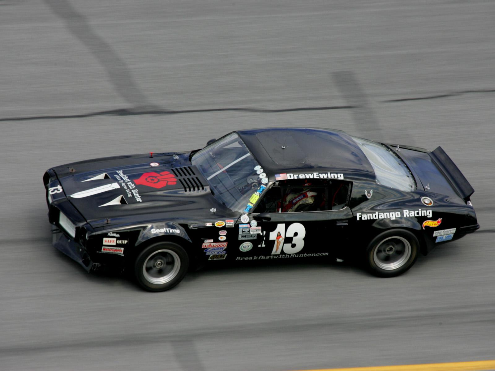Download HQ Black car Racing Cars Wallpaper Num 8 1600 x 1200 1600x1200