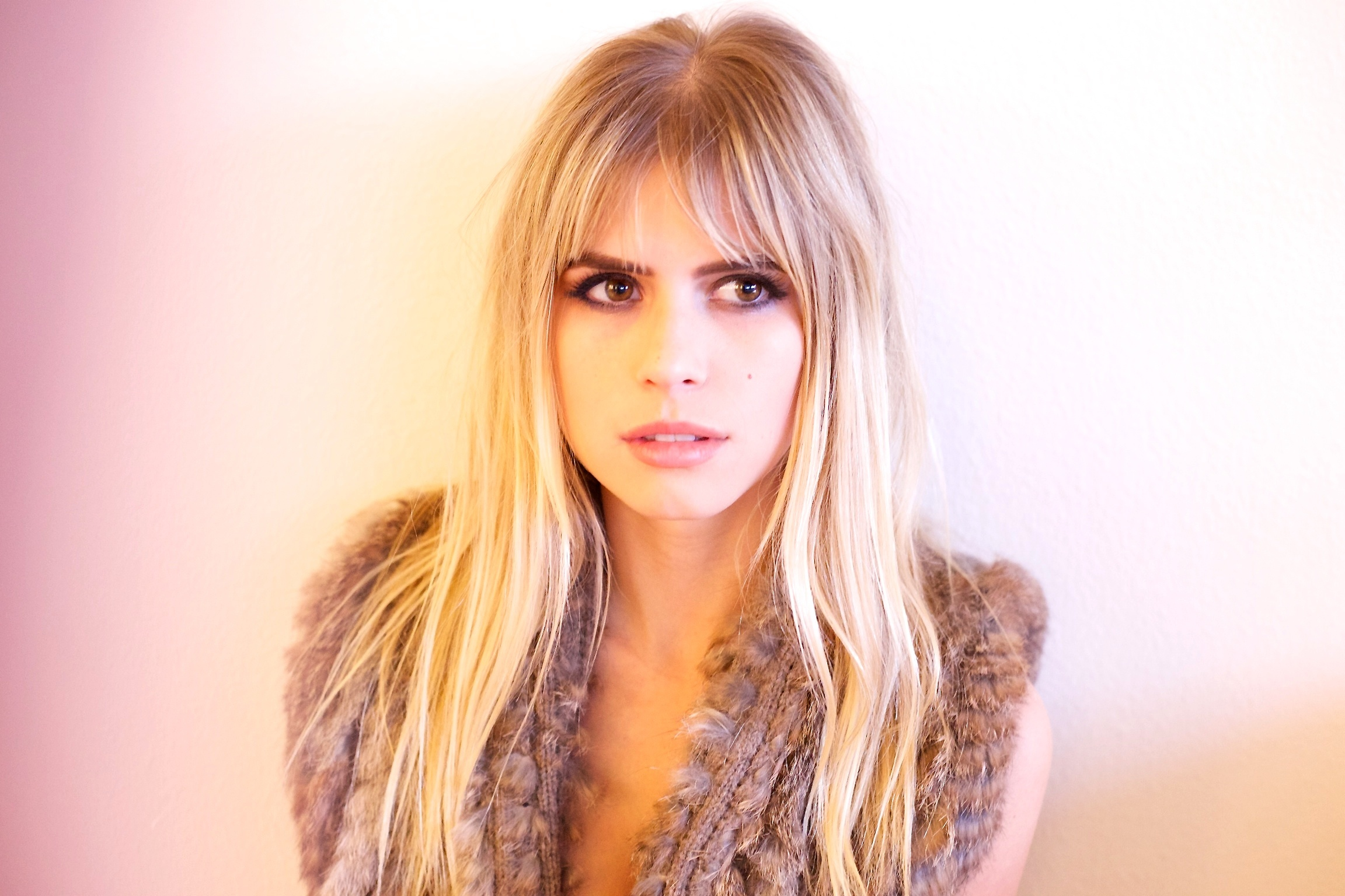 Carlson Young photo 8 of 26 pics wallpaper   photo 880878 2304x1536