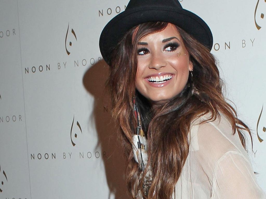 Demi Wallpaper   Demi Lovato Wallpaper 23915514 1024x768