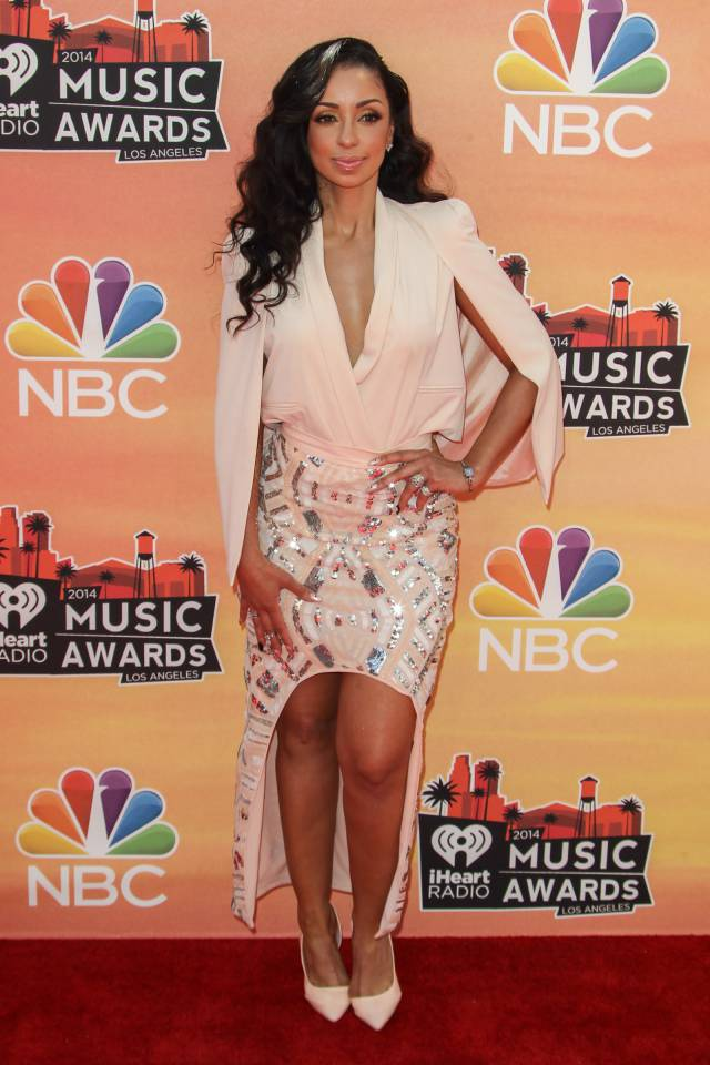 iHeartRadio Music Awards All Of Last Years Red Carpet 640x960