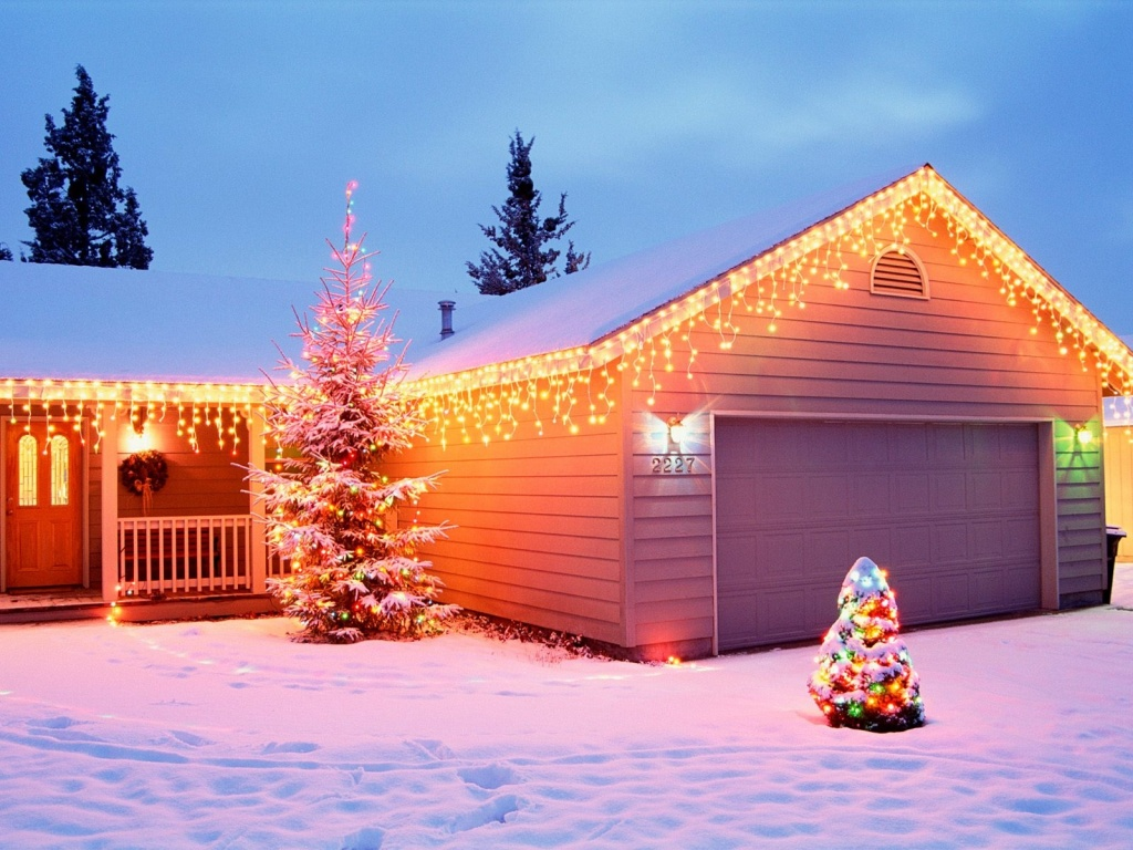 1024x768 Christmas House Decorations desktop PC and Mac wallpaper 1024x768