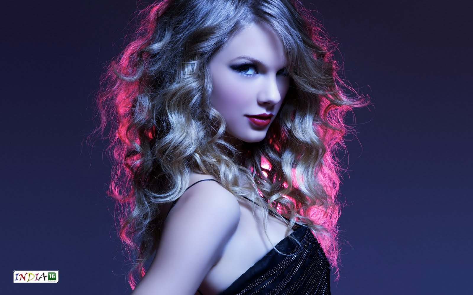 Awesomeness Wallpaper taylor swift hot wallpapers 1600x1000