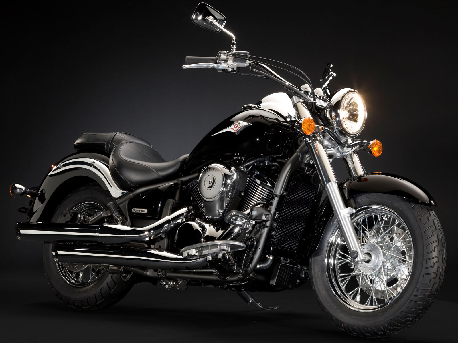 Kawasaki VN900 Classic Motorcycle Preview and Specifications 1600x1200