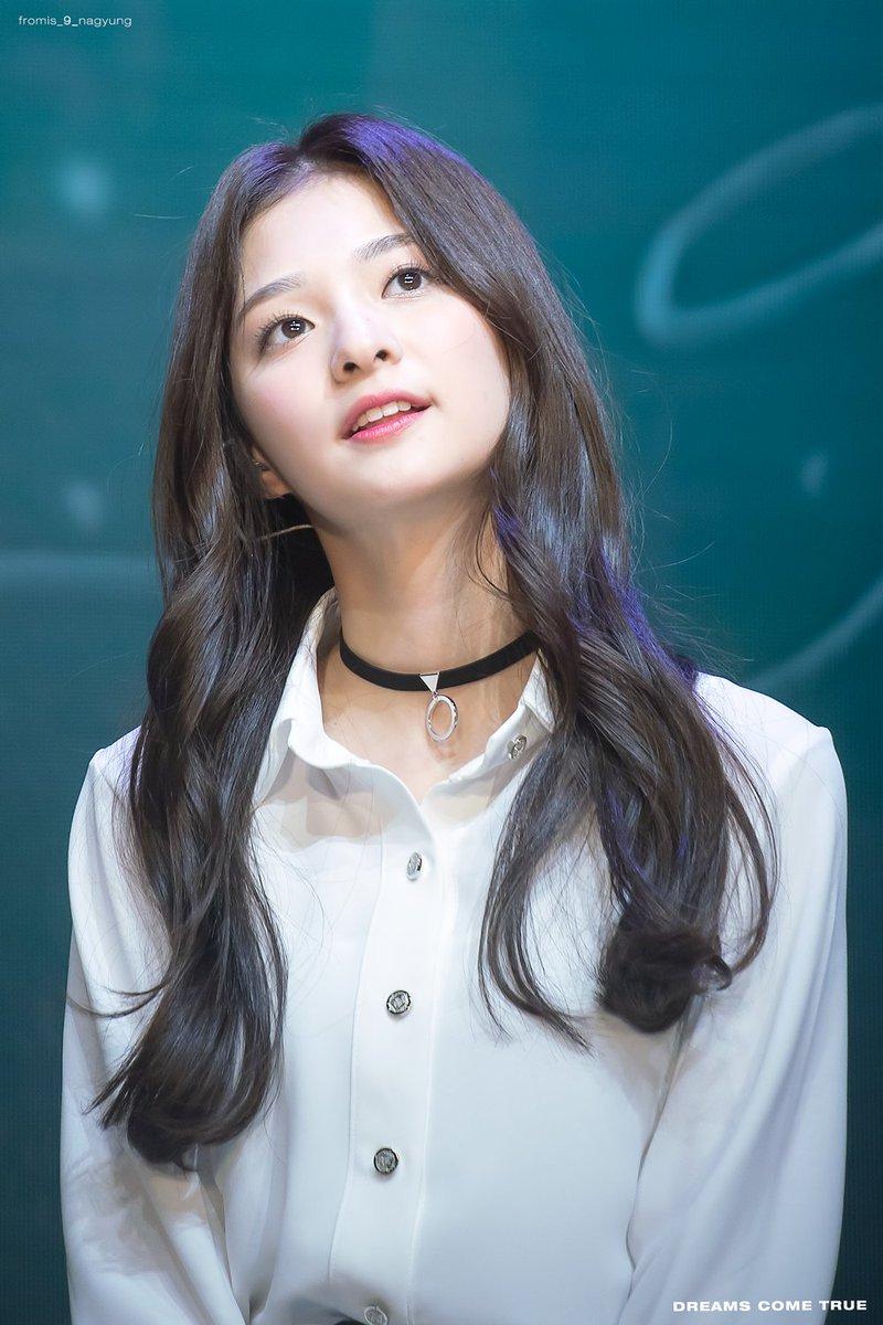 Appreciation] Lee Nakyung fromis 9 visual TzuyuKyulkyung 800x1200