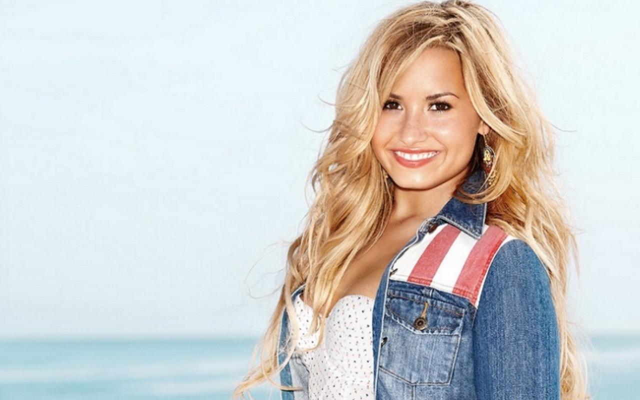 Lovato Wallpaper   Demi Lovato Wallpaper 32370164 1280x800
