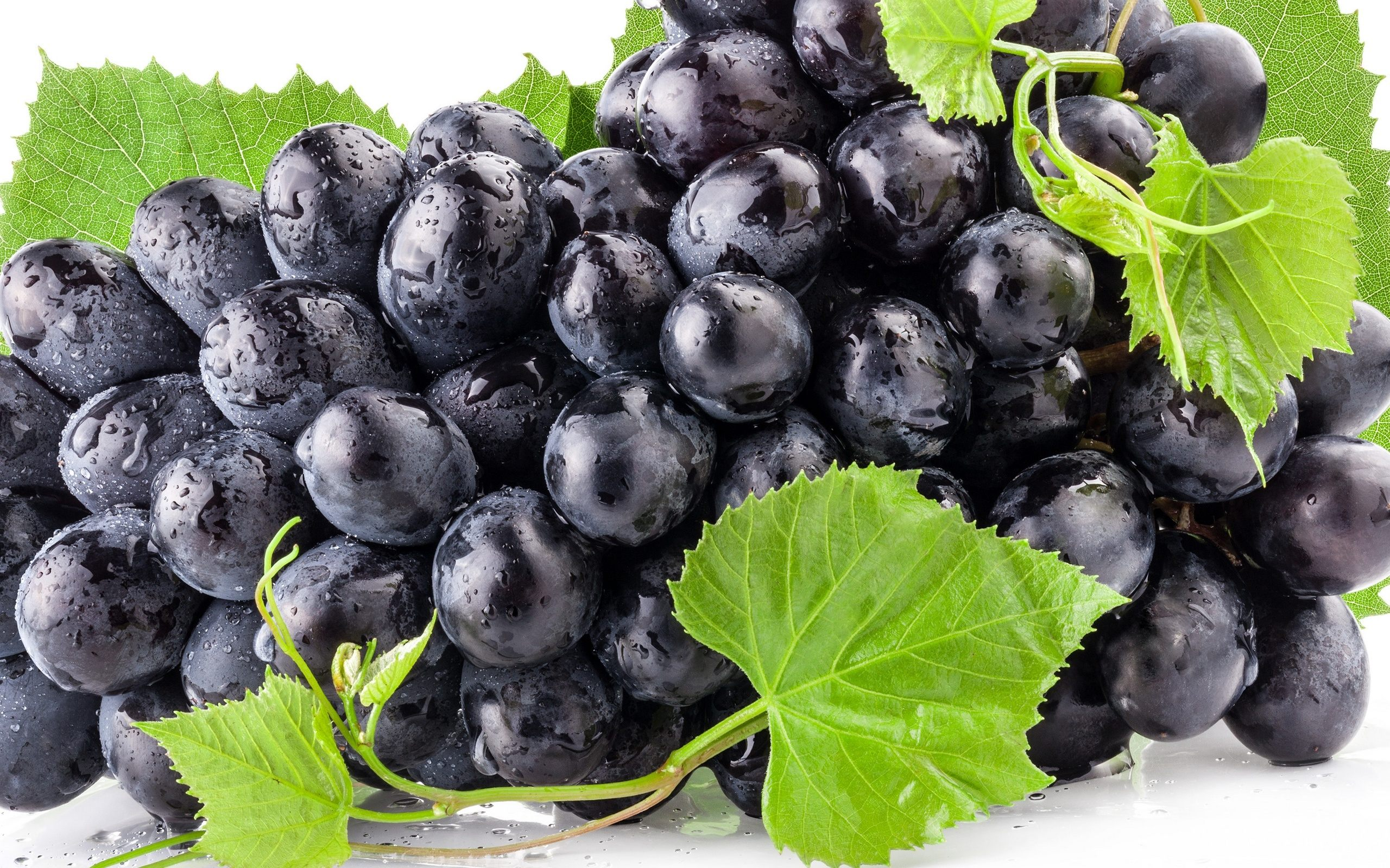 Black Grape Fruit Wallpaper For Desktop Download High Quality 2560x1600