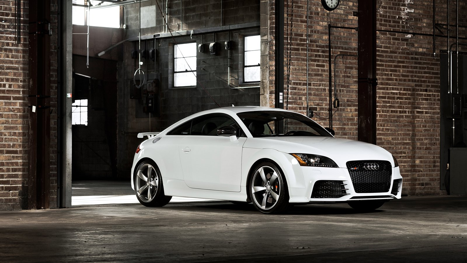 Your ridiculously cool Audi TT RS wallpaper is here 1600x900