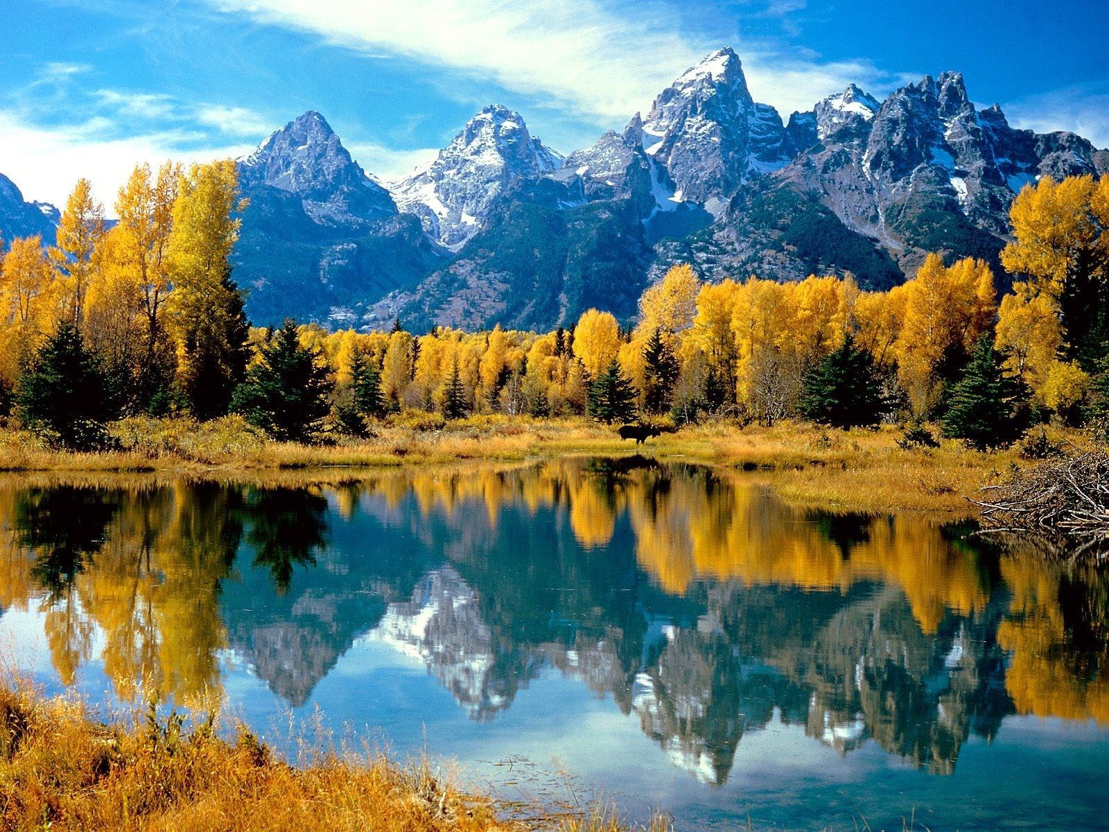 Autumn wallpaper Mountain Lake Fall Wallpapers 3d for desktop 3d 1600x1200