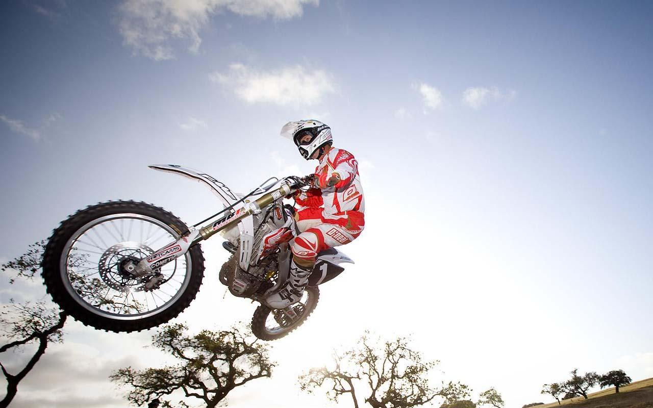 Free 3D Motocross Mania Racing Screenshot [