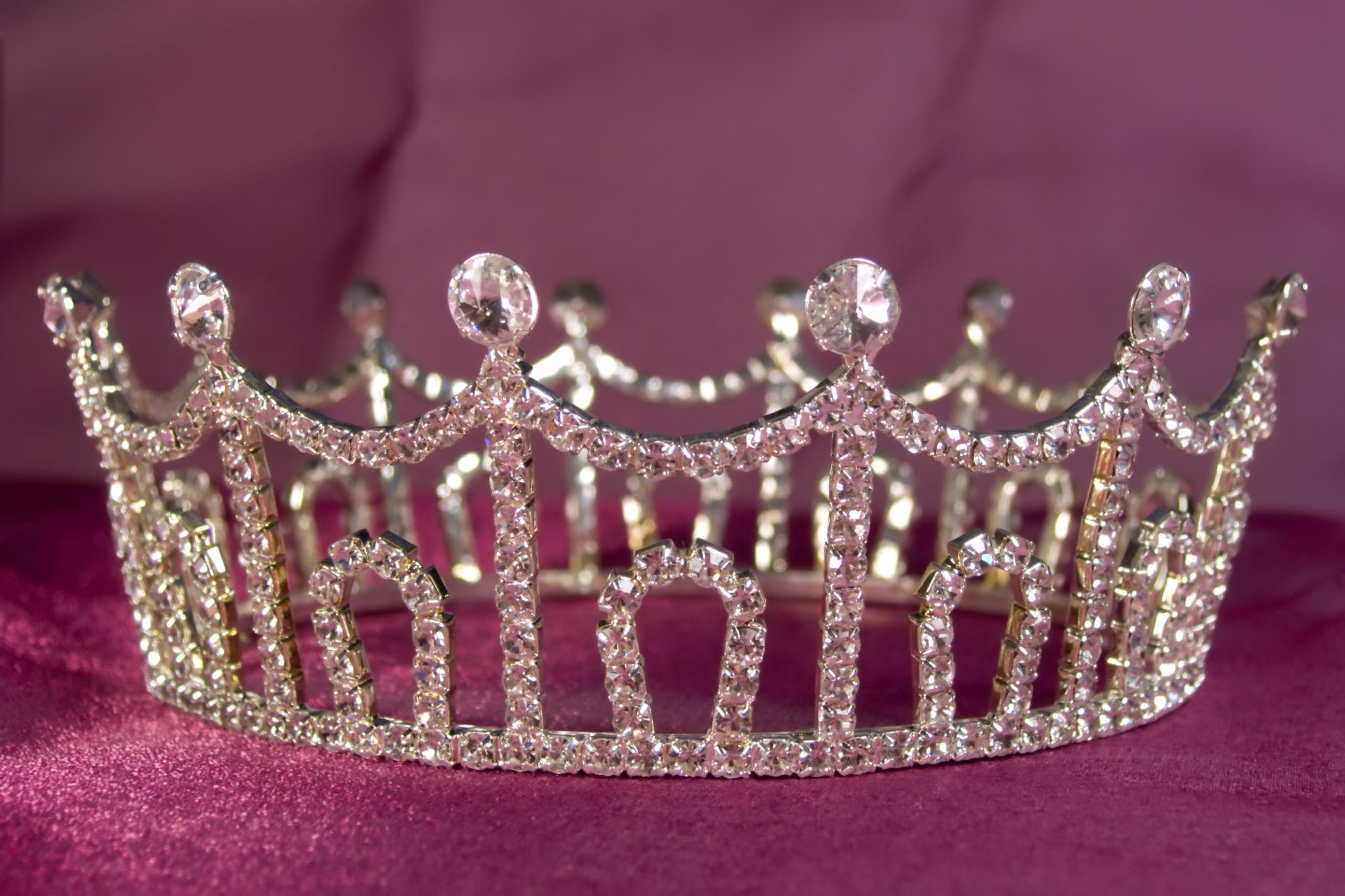 Pics Photos   Princess Crown Wallpaper Princess Crown Live 2592x1728