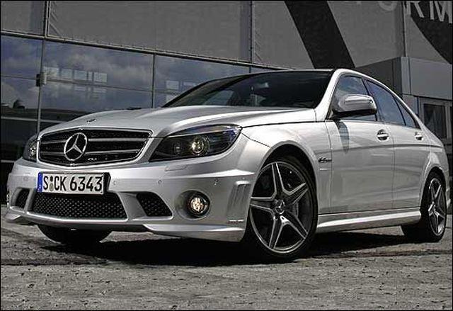 beauty carz 2012 Mercedes Benz C63 AMG wallpapers 640x439