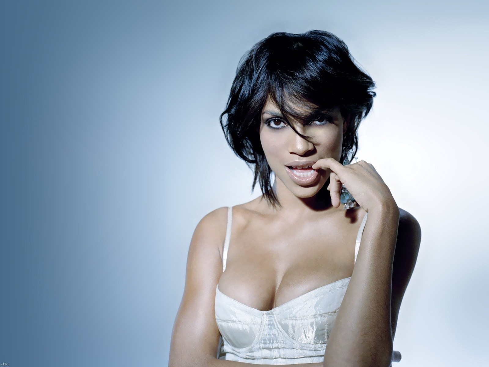 Rosario Dawson Wallpapers High Resolution and Quality Download 1600x1200