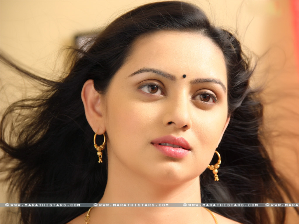Actress wallpapers wallpapersafari shruti marathe marathi actress wallpapers 1024x768 thecheapjerseys Choice Image