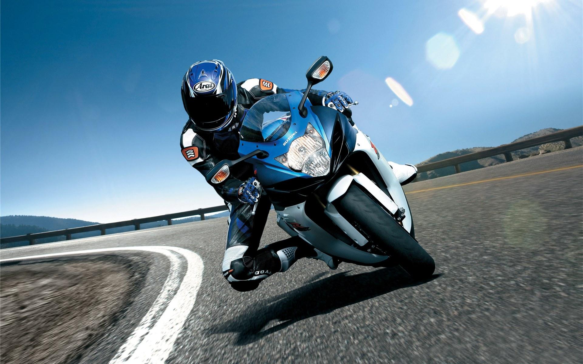 Suzuki Gsx R 750 2011 wallpaper   403546 1920x1200