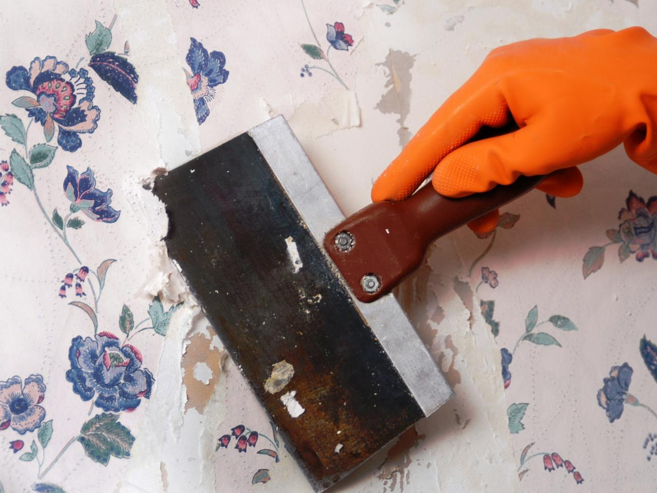 How to Remove Wallpaper Using Solvents or Steam how tos DIY 1280x961