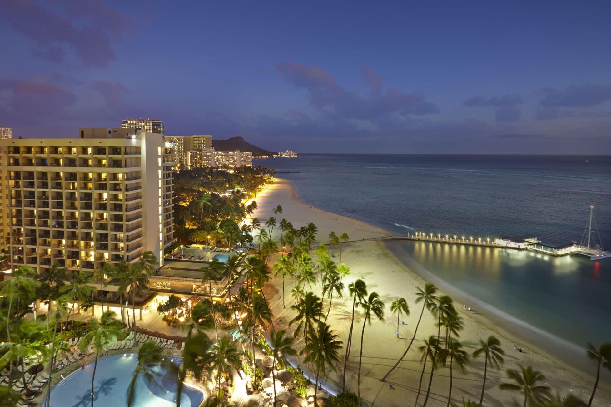Hilton Hawaiian Village Waikiki Beach Photo Gallery 1956x1304