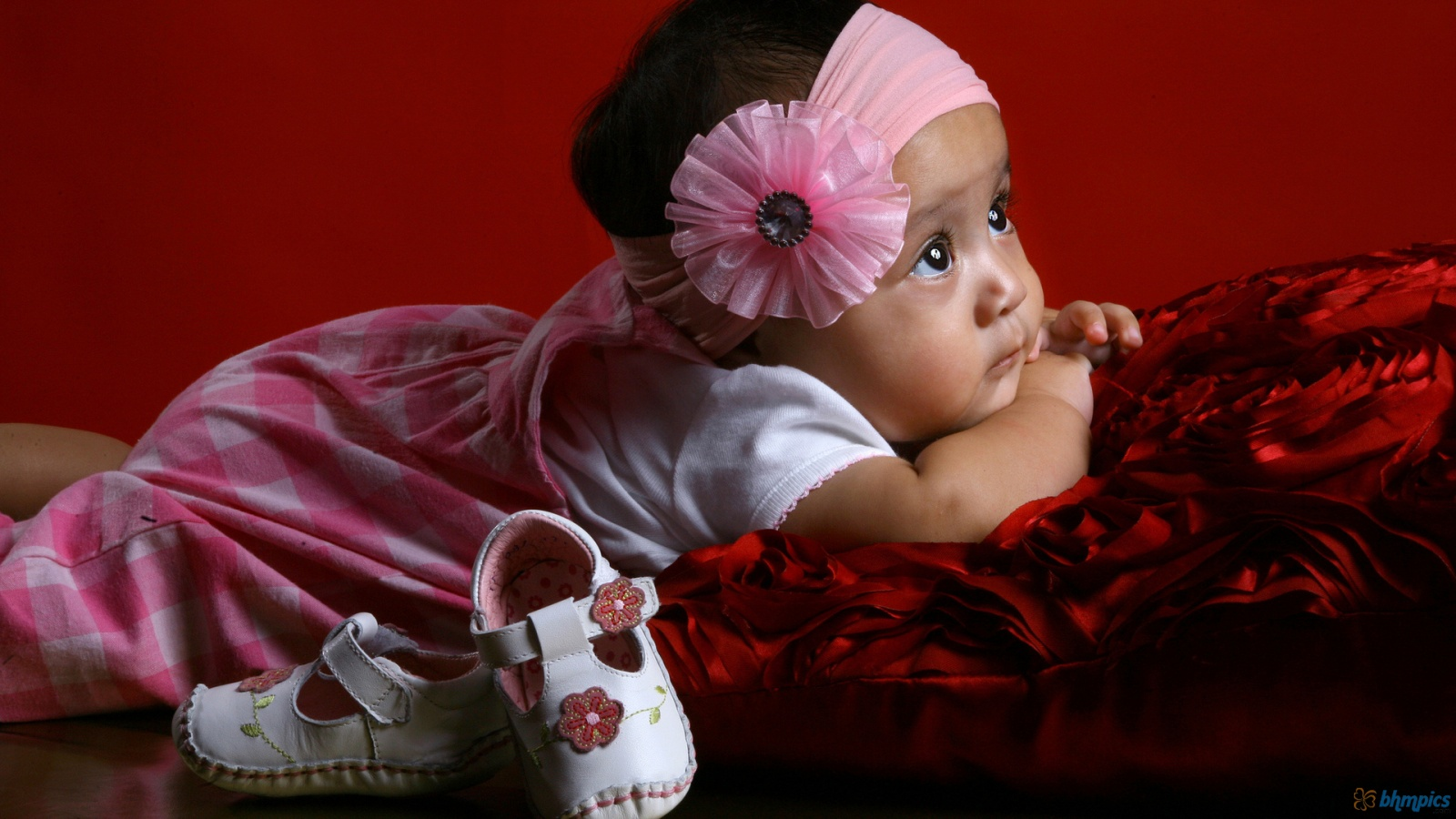 download sports wallpaper valentine day wallpaper cute baby 1600x900