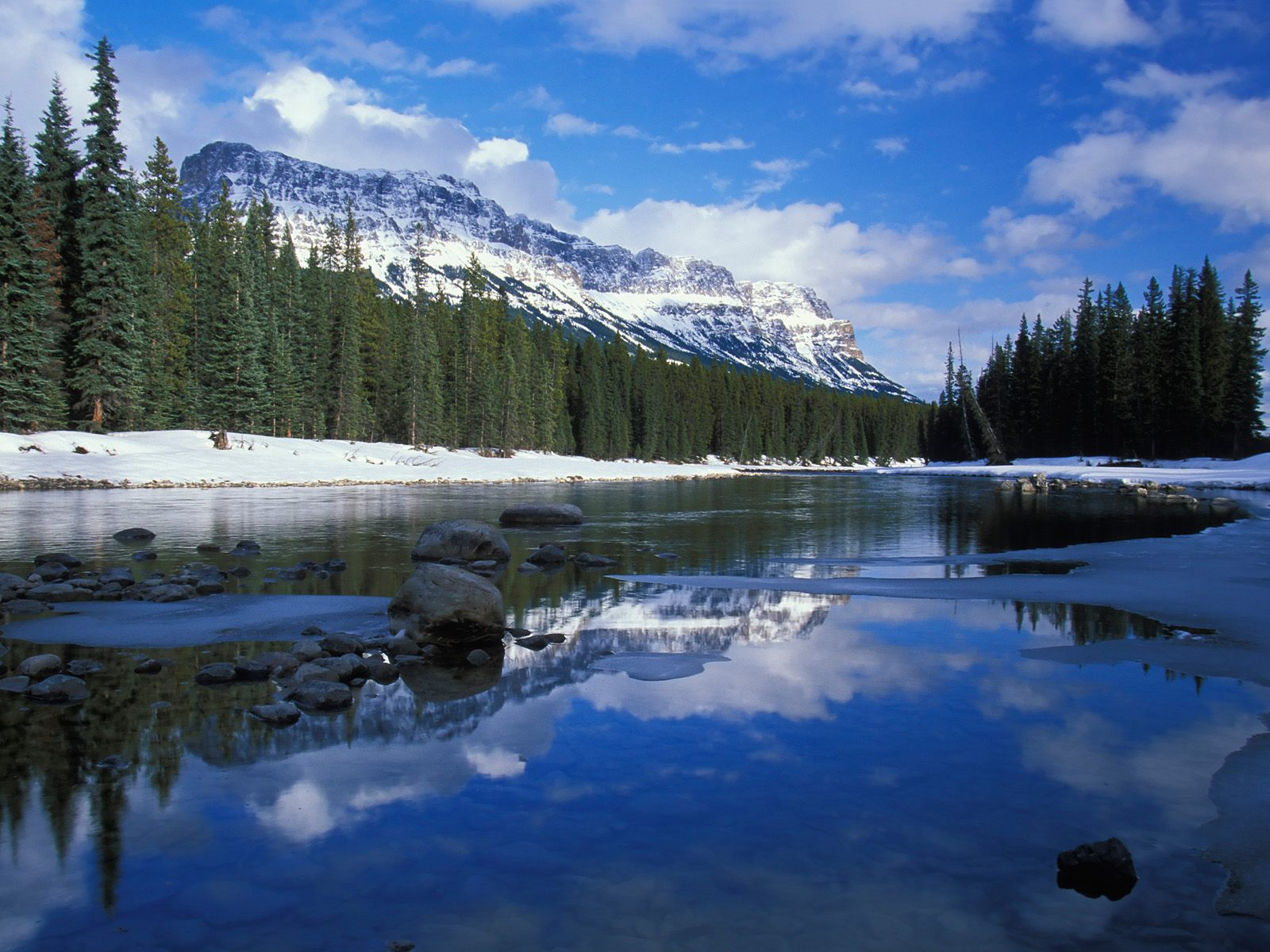 HQ Bow River And Castle Mountain Alberta Canada Wallpaper 1600x1200