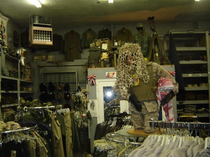 Army Surplus Store 4 Cool Wallpaper   Hivewallpapercom 720x540