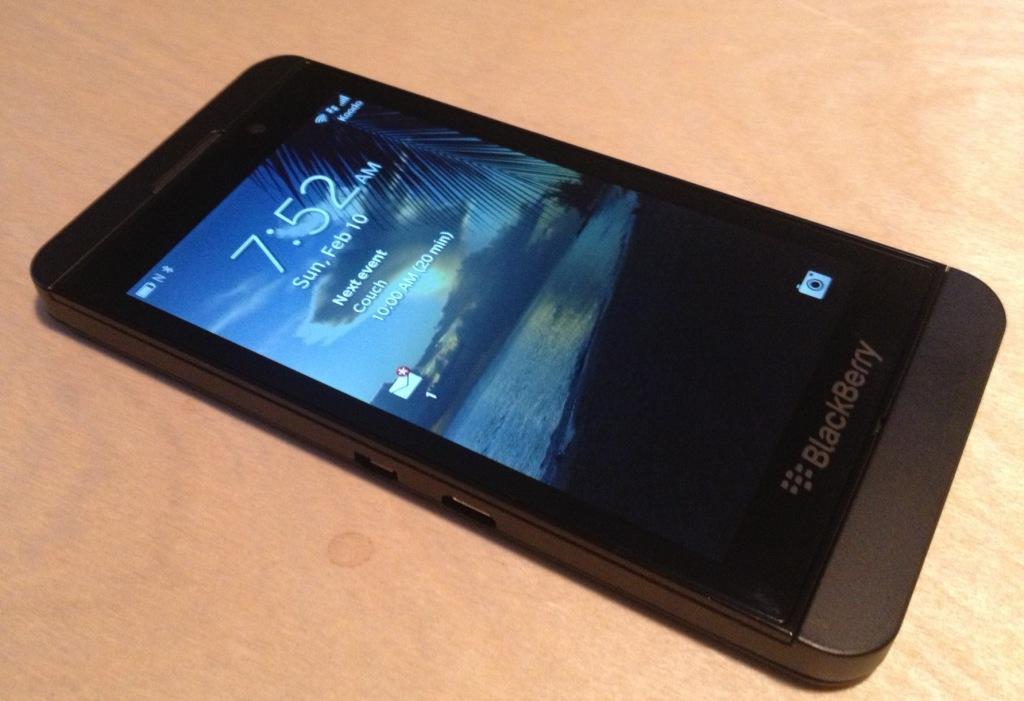 BlackBerry Z10 Full HD Wallpaper    HD Background 1024x701
