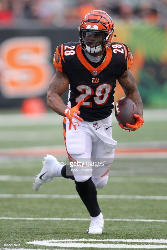 Joe Mixon of the Cincinnati Bengals runs with the ball during the 683x1024